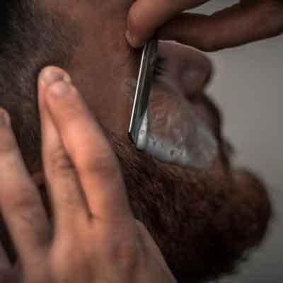 Schiuma da barba Ecobio antiallergica con formula 100% naturale e sicura