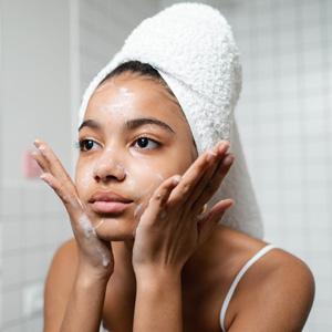Oil Wash detergere il viso con gli oli